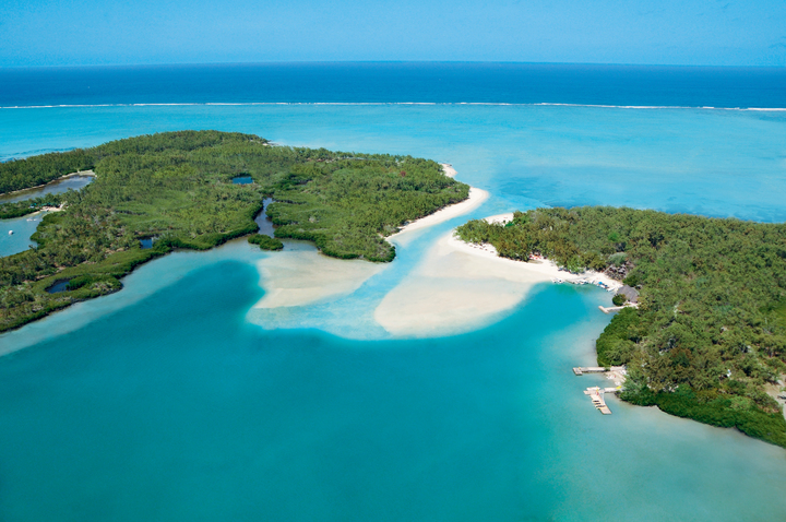Paradise Island Ile aux Cerfs from above