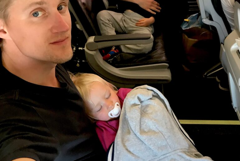 Get your baby to sleep on the plane