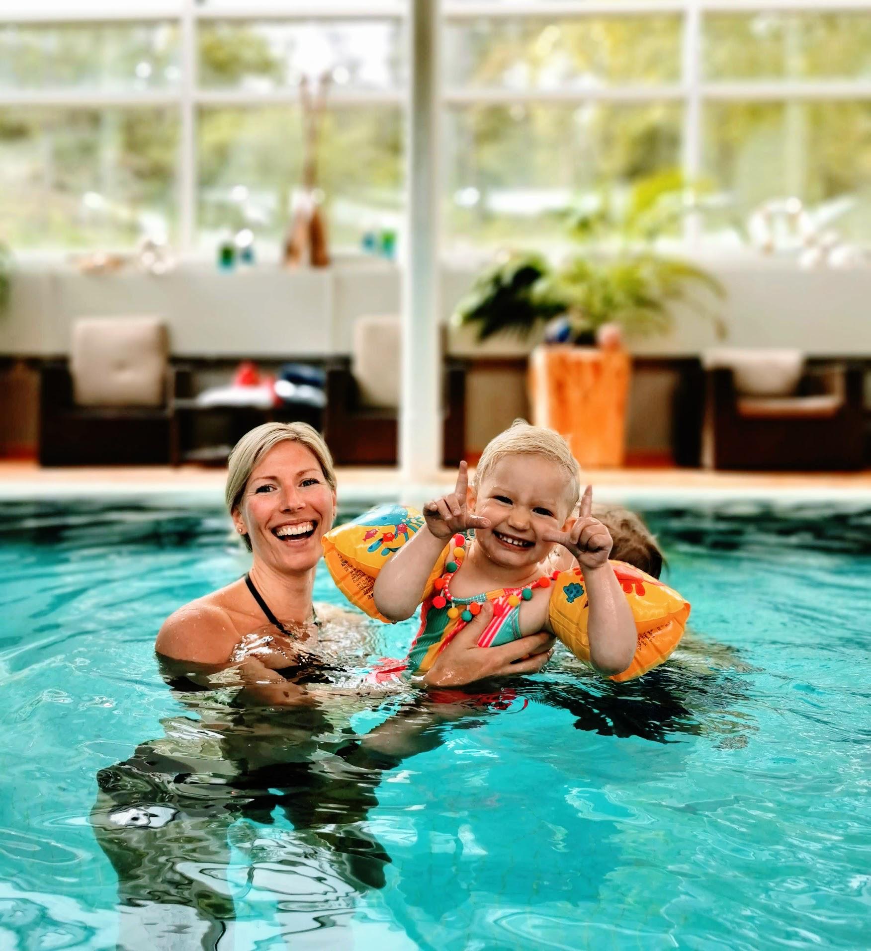 Pool och relax på Villa Fridhem