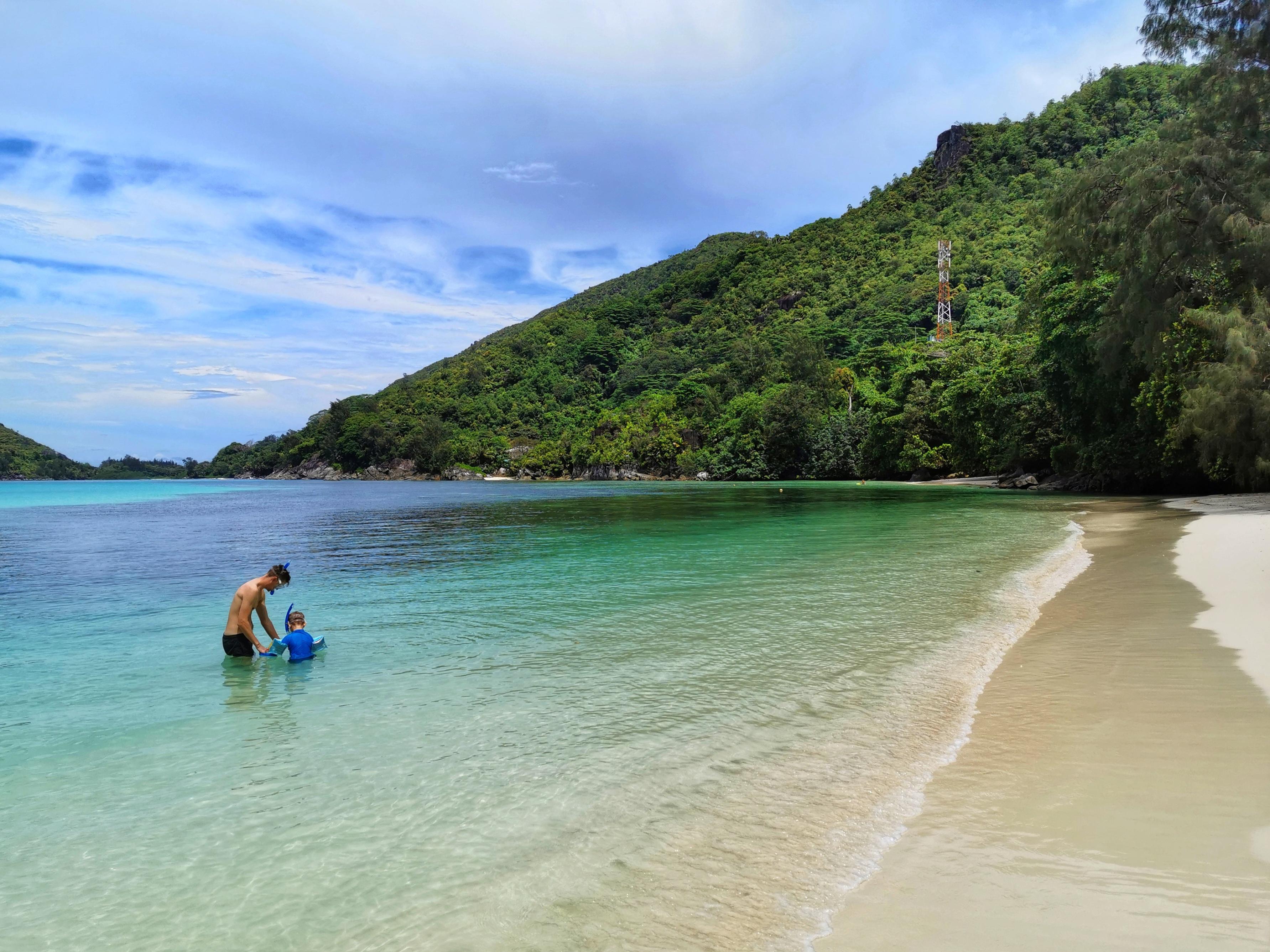 Finaste stränderna på Seychellerna med barn